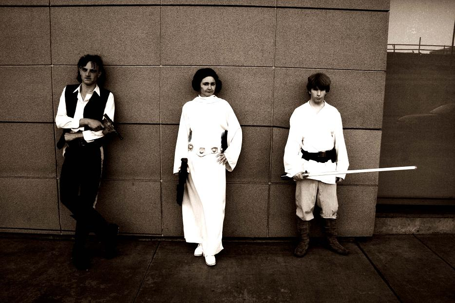gerard_luke_skywalker_4_anh_leia_han_wall_artsy_1_small.jpg